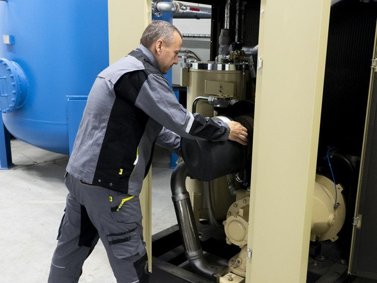 Service of compressors and dryers